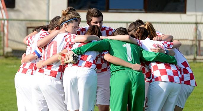 Ženska U-18 reprezentacija na turniru u BiH