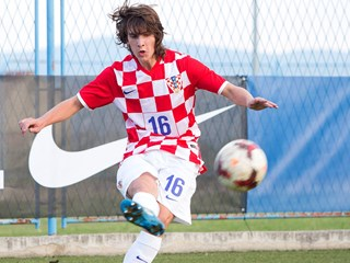 Vargić, Balić and Milović sign in Italy and China
