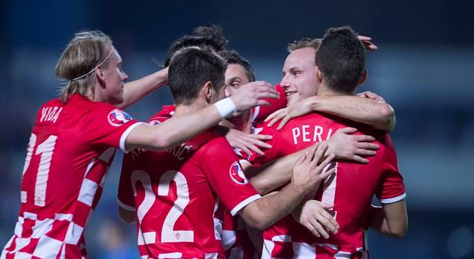 Šest golova izvrsne Hrvatske za slavlje i vodeću poziciju