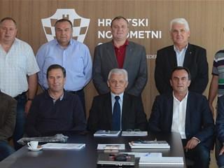 Zaključci Komisije nogometnih sudaca IO HNS-a