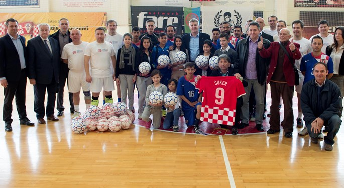 "Šuker: ""Roma people deserve to live with dignity in Croatia"""