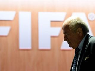 Sepp Blatter dao mandat na raspolaganje