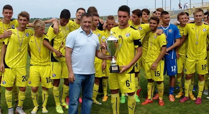 Dinamovi juniori pobjednici Trofeja Turopolja