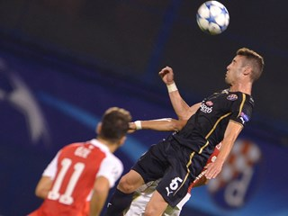 Arsenal svladao Dinamo, Dinamovi juniori osigurali prolaz
