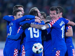 Croatia comes from behind to win in Russia