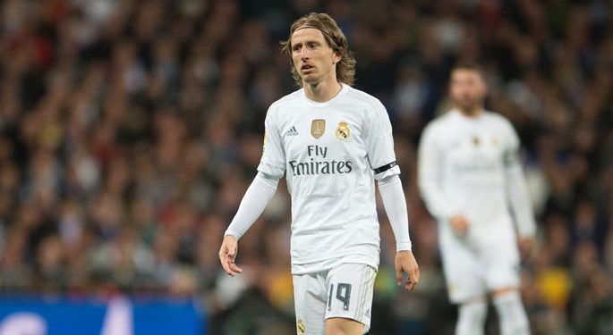 big sale 15aa7 da520 Luka Modrić takes over No. 10 jersey at Real Madrid ...