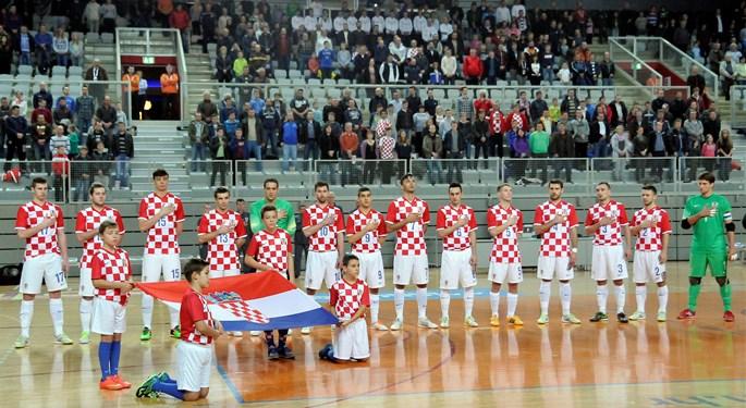 Hrvatska uvjerljiva, hat-trick Jelovčića