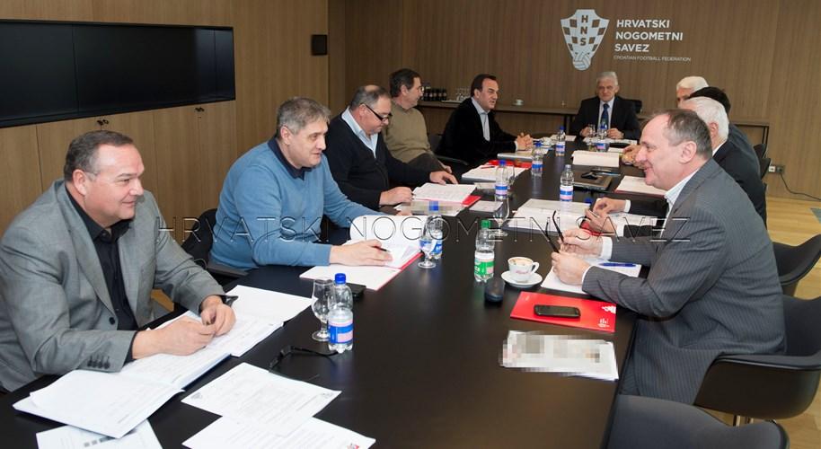 Zaključci Komisije nogometnih sudaca