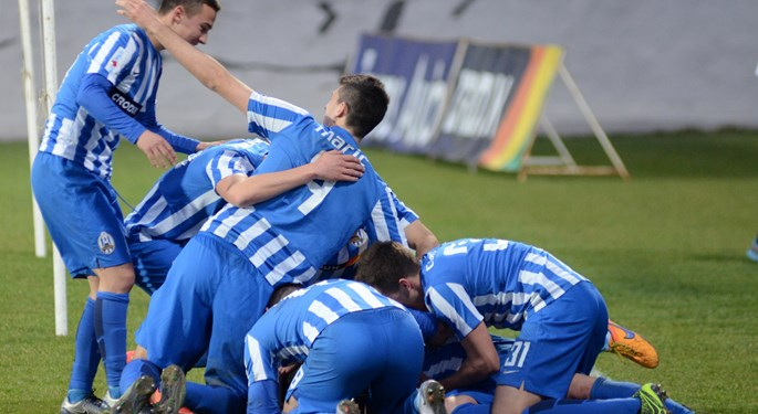 Remi Rijeke i Cibalije, Lokomotiva svladala Slaven Belupo