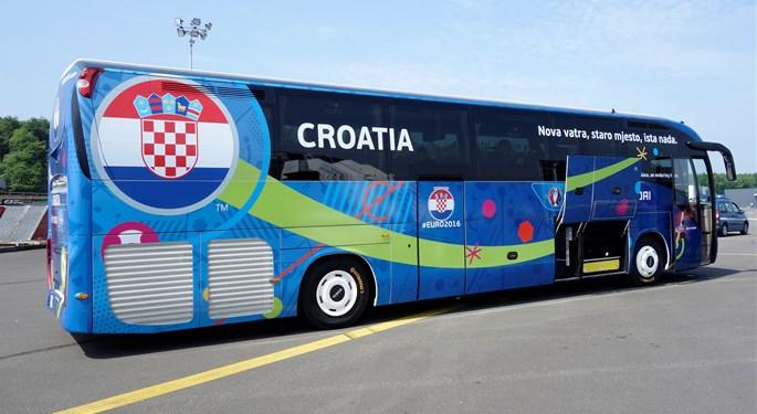 Navijači biraju slogane za reprezentativne autobuse na SP-u