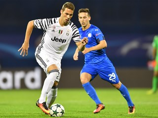 Pjaca loaned to Schalke, Antolić and Eduardo join Legia
