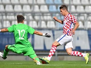 Video: Hrvatska U-17 u Kostreni nadjačala Španjolce