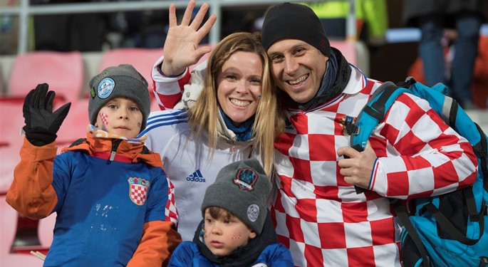 Navijači uz Vatrene tijekom kvalifikacija za SP#Fans support Croatia during qualifiers