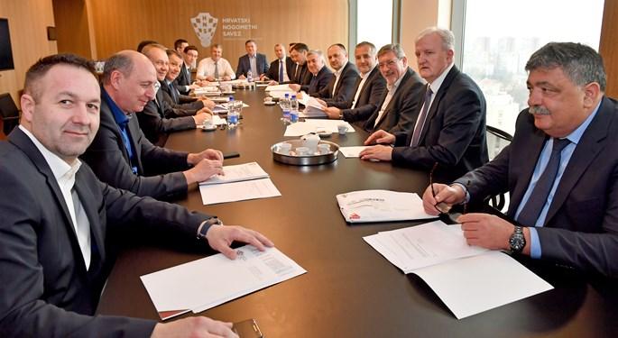 Dogovoreno produljenje ugovora s izbornikom Čačićem
