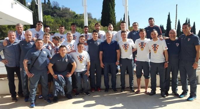 Predsjednik Šuker posjetio reprezentativce u futsalu