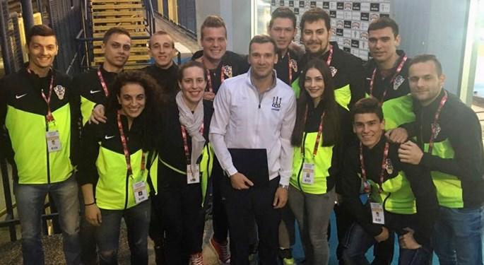Video: Kako uz volontiranje upoznati Mandžukića i Ševčenka