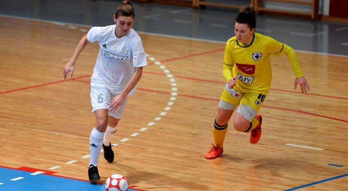 Video: Hrvatice svladale Slovenke na otvaranju kvalifikacija u Karlovcu