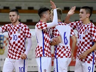 Video: Hrvatska U-19 dva puta nadjačala Makedoniju