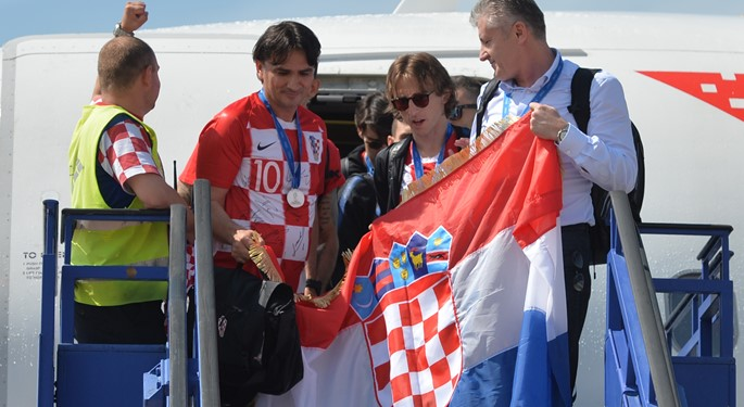 Spektakularan doček srebrnoj hrvatskoj reprezentaciji#Hero's welcome for silver Croatian team