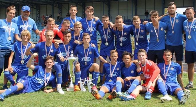Dinamo U-16 osvojio turnir u Karlovcu