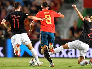 Emphatic Spain inflict a heavy defeat on Croatia