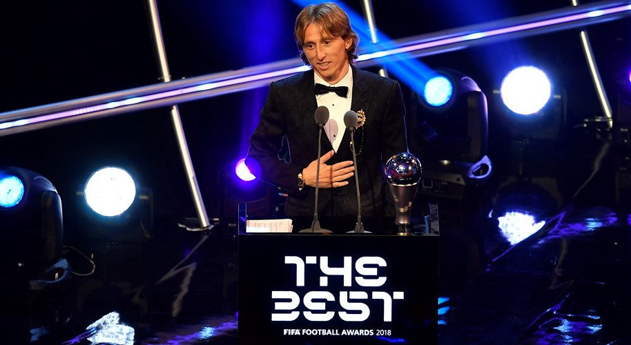 Luka Modrić proglašen najboljim igračem svijeta u izboru FIFA-e#Luka Modrić wins THE Best FIFA Player of the year award