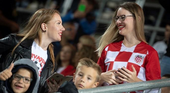 Navijači pozdravili svjetske doprvake u pobjedi protiv Jordana#Fans enjoy Croatian win against Jordan