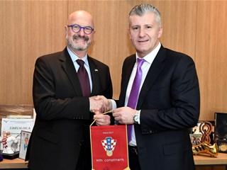 Davor Šuker hosts Israeli Ambassador Mor