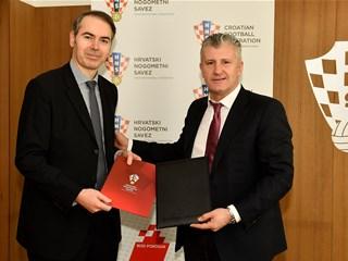 Potpisan ugovor o poslovnoj suradnji HNS-a i PBZ-a