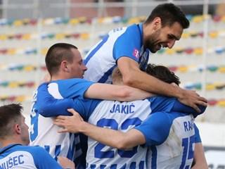 Lokomotiva i Hajduk s po tri pogotka do tri boda