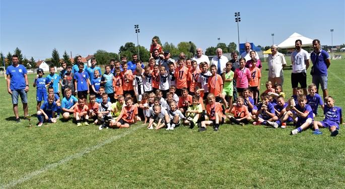 Delegacija HNS-a posjetila turnir u Slavonskom Brodu