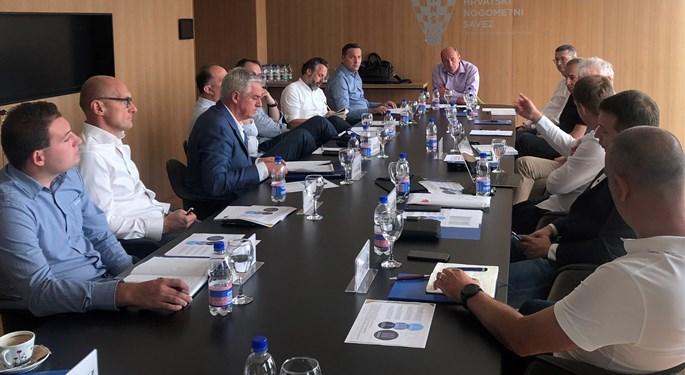 Održan sastanak predstavnika prvoligaša i HNS-a