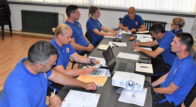 Krpan održao radni sastanak s instruktorima ženskog nogometa