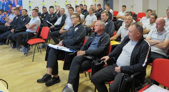 Održan seminar malonogometnih sudaca i kontrolora 1. HMNL