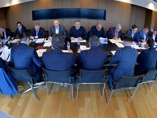 Odluke Izvršnog odbora HNS-a