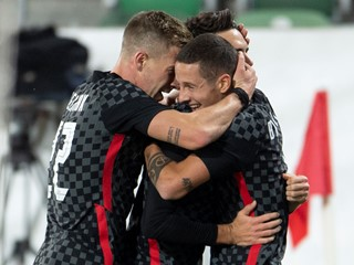 Croatia comes back from behind to finally overcome Switzerland
