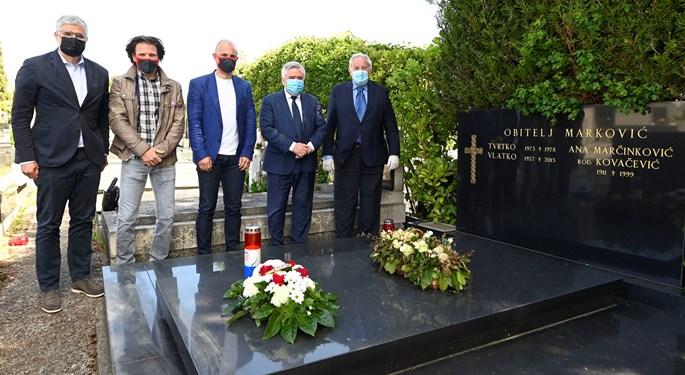 Delegacija HNS-a obišla posljednje počivalište Vlatka Markovića
