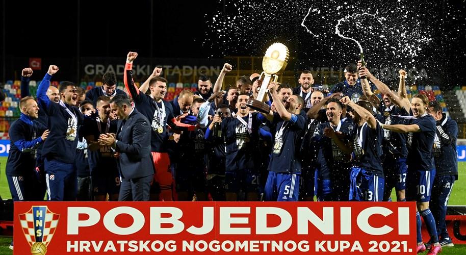 Video: Dinamo u nevjerojatnom finalu pobijedio Istru 1961 i osvojio Kup!