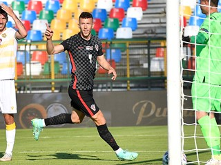 Croatia's draw with Armenia: Perišić celebrates his jubilee