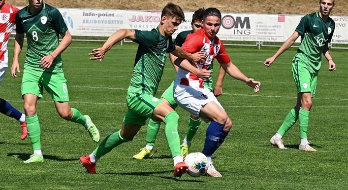 Video: Slovenija U-18 svladala Hrvatsku i osvojila turnir u Sv. Martinu na Muri
