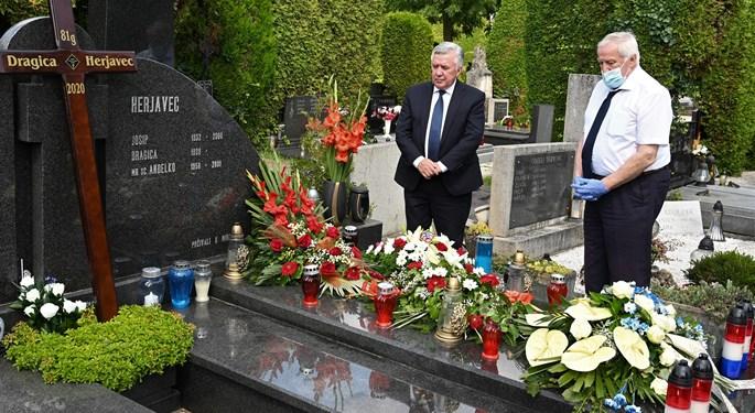 Delegacija HNS-a na posljednjem počivalištu Anđelka Herjavca