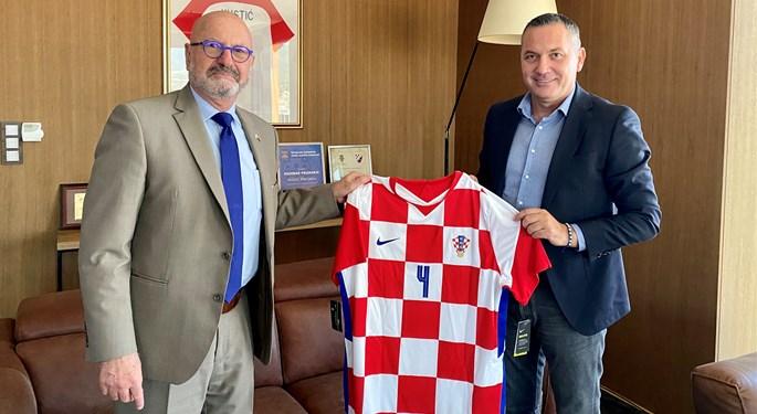 Marijan Kustić ugostio veleposlanika Izraela